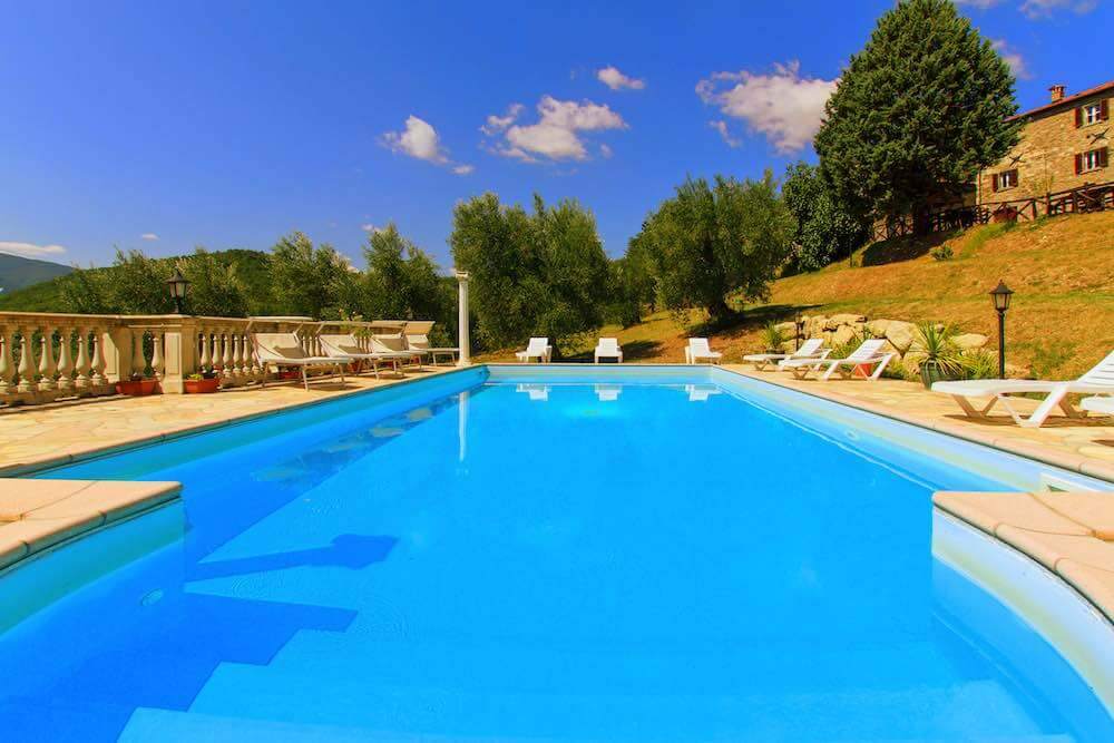 Large pool - Tuscany villa resort